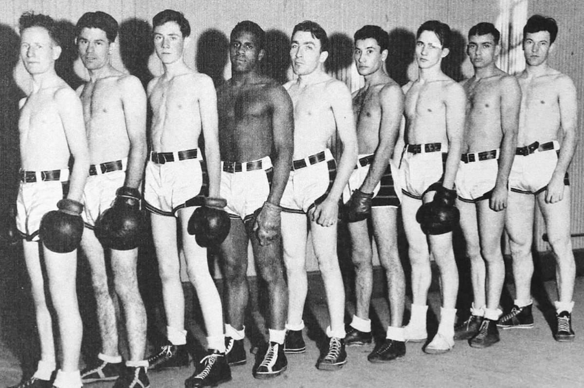 Walter-Springs-on-Regis-College-boxing-team-1941-resized.jpg
